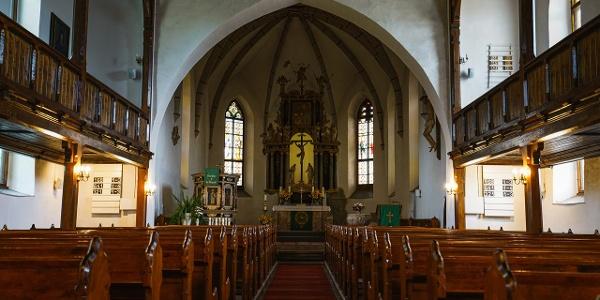 Innenraum der Kirche in Tanna