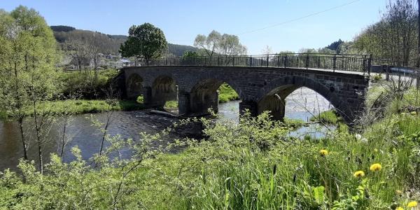 Rundbogenbrücke in Beddelhausen
