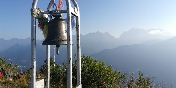 Mt. Talm mit Blick nach Norden zu den Karnischen Alpen mit der Steilwand, dem Wolayer Kopf, dem Seekopf, der Seewarte, der Hohen Warte und den Kellerspitzen – 4