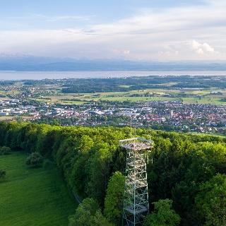 Gehrenbergturm mit Blick auf Bodensee und Alpen