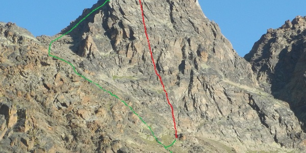"""Verlauf der Kletterroute """"Alpendurst"""" (rot) und des Abstiegswegs (grün)"""