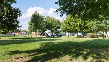 Campingplatz Nixenbad Strehla mit Sozialgebäude