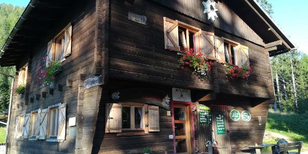 Start zur 1. Etappe des Julius-Kugy-Dreiländerweges in 30 Tagen bei der Bertahütte