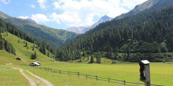 Richtung Lizumer Hütte auf der alternativ Route