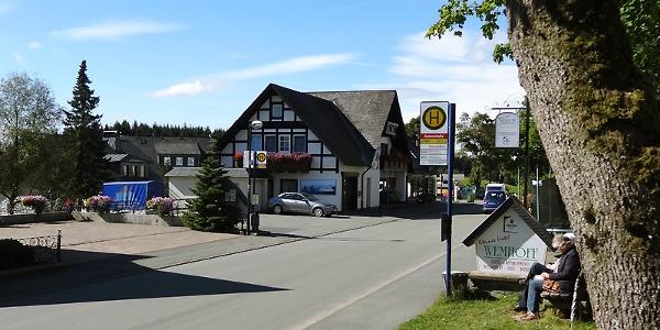 """Haltestelle """"Astenstraße"""" in Altastenberg"""