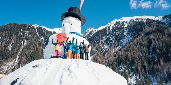 großer Schneemann