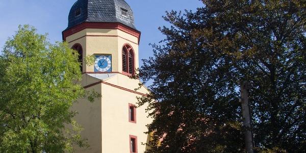 Kirche Lausa zwischen Weixdorf und Hermsdorf