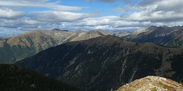 Blick vom Mont Lapassé zum Mont Pépoiri