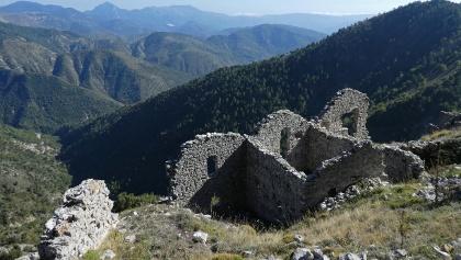 Die ehemalige Kirche von Rocca-Sparvièra