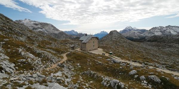 Schutzhütte nahe des Seekofels in den Dolomiten