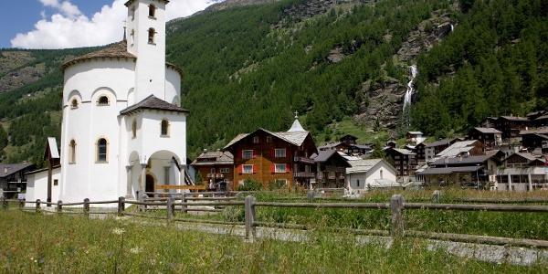 Saas-Balen Rundkirche