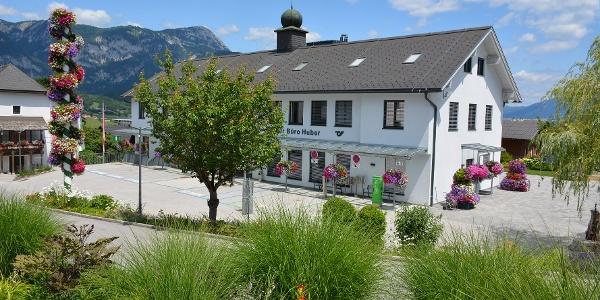 Schlossplatz mit Rathaus Haus im Ennstal