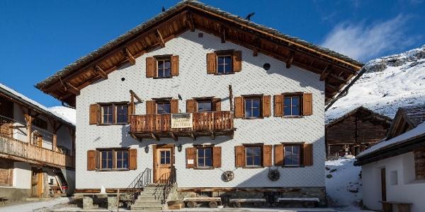 Gasthaus Alpenrose Juf
