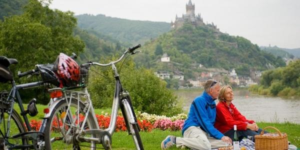 Picknick am Mosel-Radweg bei Cochem