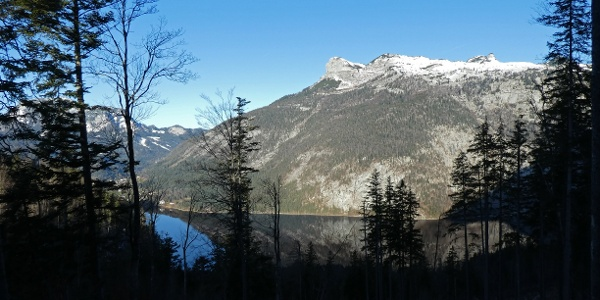 Der Loser über dem Altausseer See vom Tressensattel aus gesehen