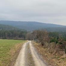 Im Hintergrund der Himmelsberg