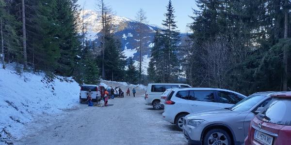 Parkplatz am Ausgangspunkt Krepperhütte