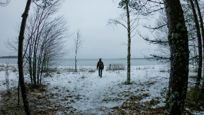 Exiting the woods and reaching the sea, Storsand, Monäs