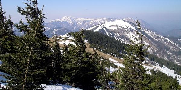 Fürstenplan: Blick vom Aufstieg nach W, rechts der Kleiner Ötscher, links hinten der Dürrenstein
