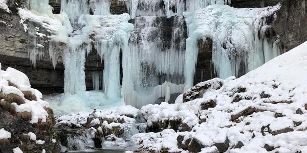 Vallesinella di Mezzo frozen waterfalls