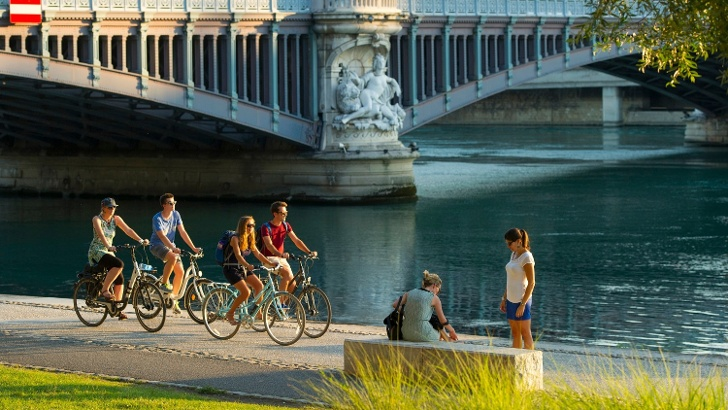 VIARHÔNA, la destination cyclable au fil du Rhône