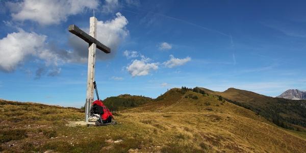 Gipfelkreuz am Henerbichl
