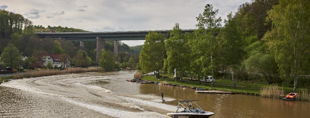 Wasserski fahren auf der Weser
