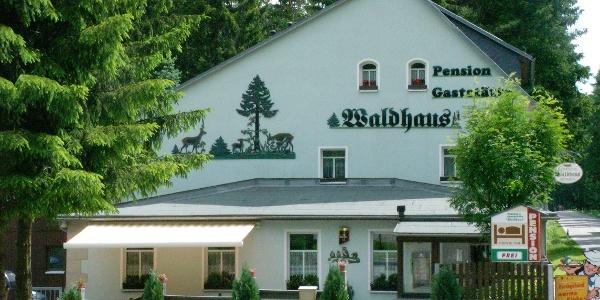 Pension und Gaststätte Waldhaus Außenblick
