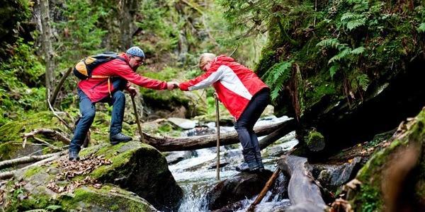 Der Gebirgsbach Feistritz ist die Herausforderung beim Wildwandern in der Soboth