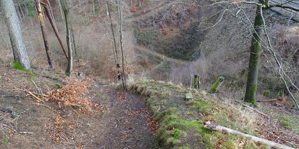 der steile Abstieg zur Unterführung