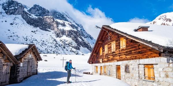 Auf einem gemütlichen Weg geht es von der Lindauer Hütte zur Sporaalpe.