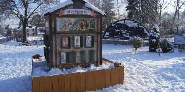 Adventní kalendář ve formě domu v Mini Weißbachu