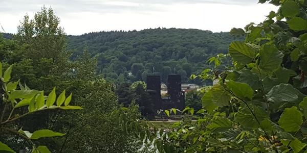 Blick auf die Türme der Brücke von Remagen
