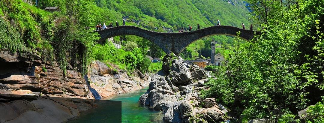 Ponte dei Salti bei Lavertezzo.