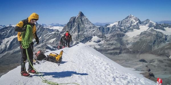 Am Gipfel des Breithorns steht man vis-á-vis vom Matterhorn