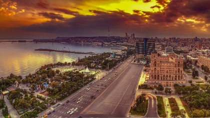 Blick auf die Hauptstadt Baku