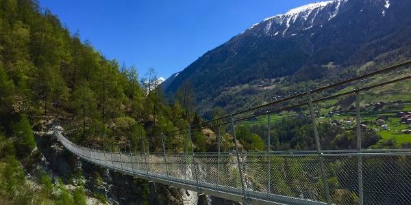 Die Hängebrücke von Ossona
