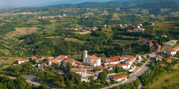 Village Šmartno