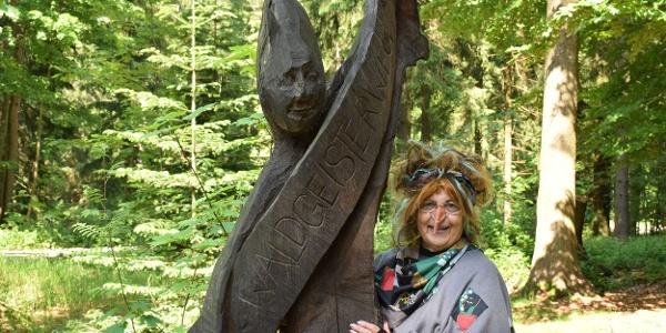 Führung mit Hexe Schlotterknie am Waldgeisterweg
