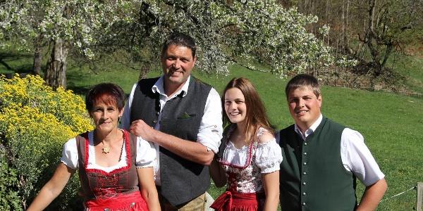 Familie Rudigier begrüßt euch Herzlichs