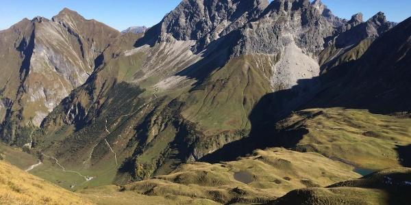 Blick über den Eissee zur Wildengruppe und dem Himmelecksattel