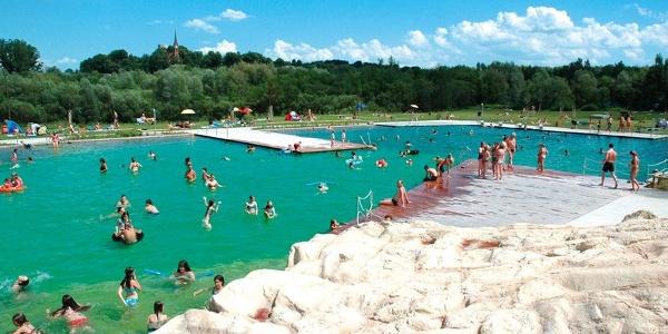 Badespaß für die ganze Familie im Inselbad Bad Abbach