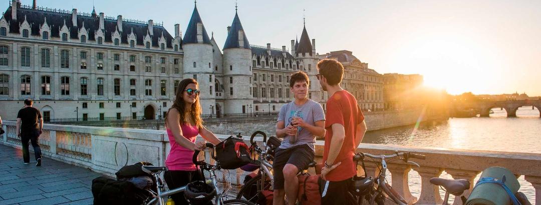 Vélo sur les bords de Seine à Paris