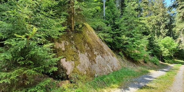 großer Stein