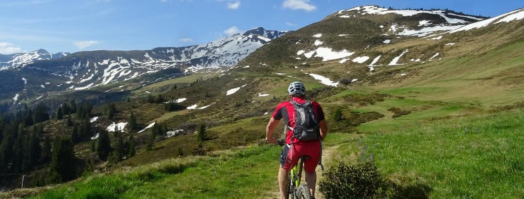 0300 Entlang den Zizerser Alpen