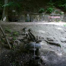 Kaán Károly forrás az Apátkúti-völgyben