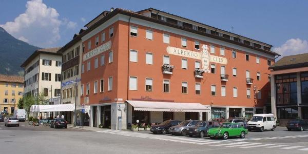 Hotel Cles Esterno