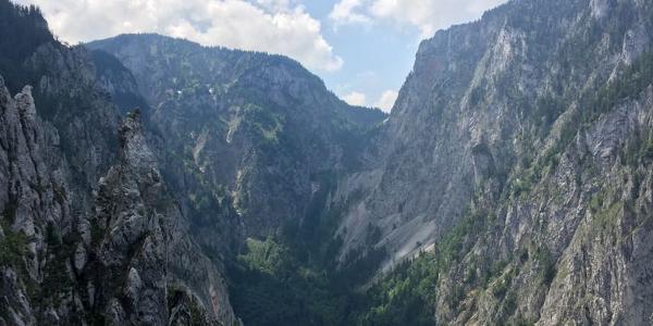 Ausblick vom Wachthüttelkamm in das Große Höllental