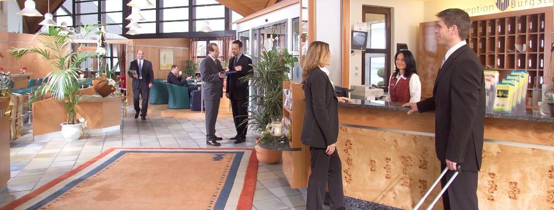 Rezeption und Lobby BurgStadt-Hotel Kastellaun