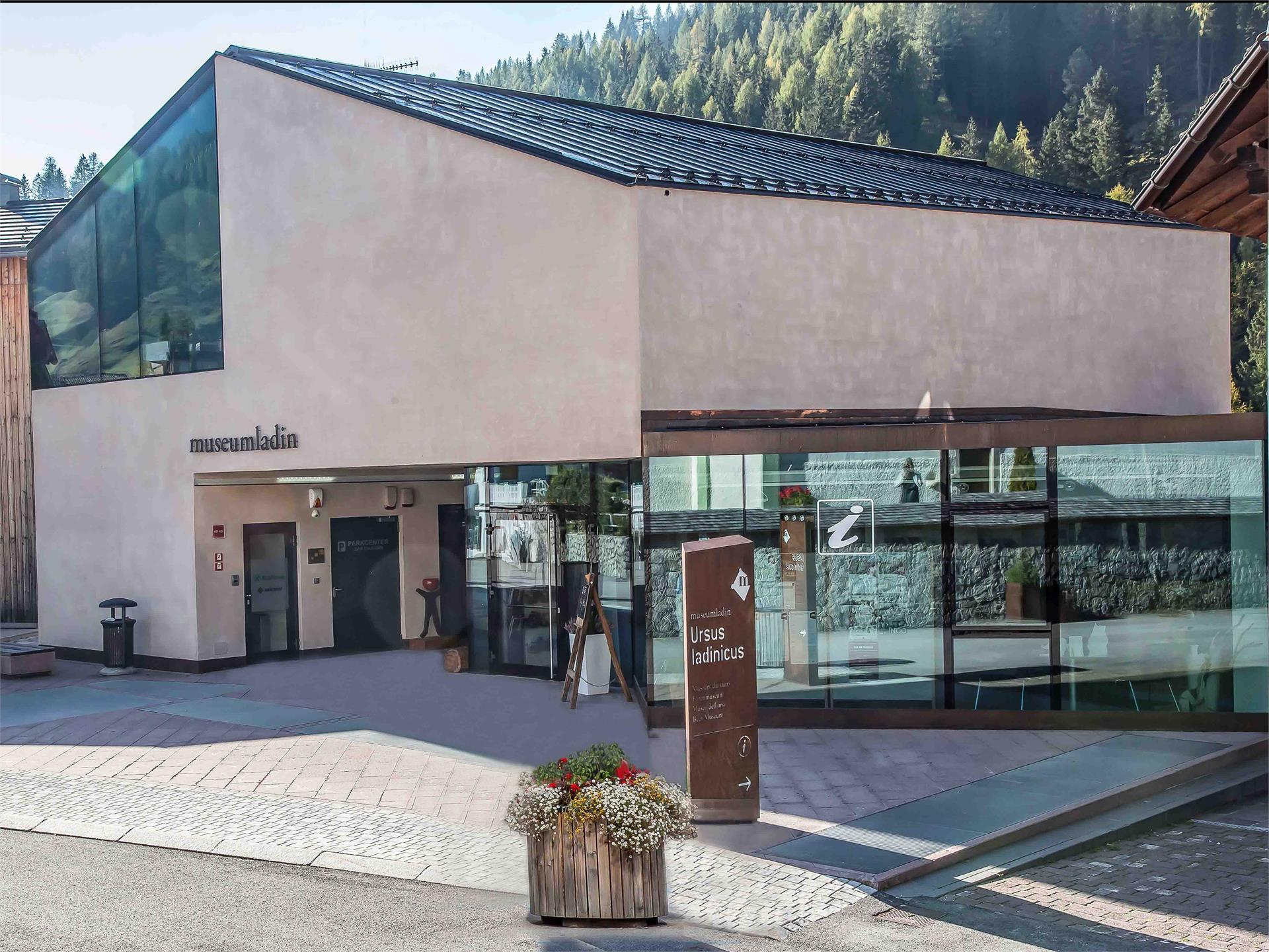Ufficio Turistico San Cassiano Centro Informazioni Outdooractive Com